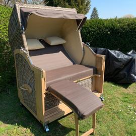 2-Sitzer-Strandkorb-mit-Fußteil_Gruenzimmer_Strandkoerbe-und-Gartenmöbel