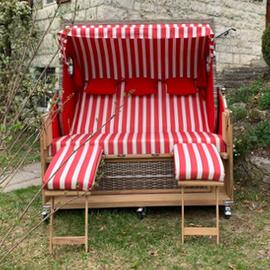 3-Sitzer-Strandkorb-mit-Bullaugen_Gruenzimmer_Strandkoerbe-und-Gartenmoebel